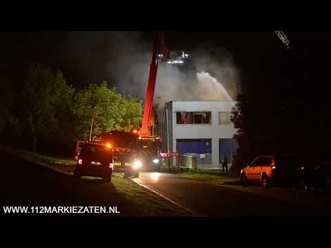 Grote brand in loods aan de Kwekerijweg in Sint Philipsland